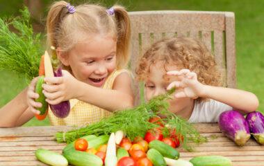4 Ways To Encourage Your Kids To Eat Veggies Nutraphoria